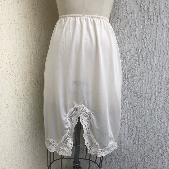 Vintage Other - Vintage Ivory Lace Slip Skirt!